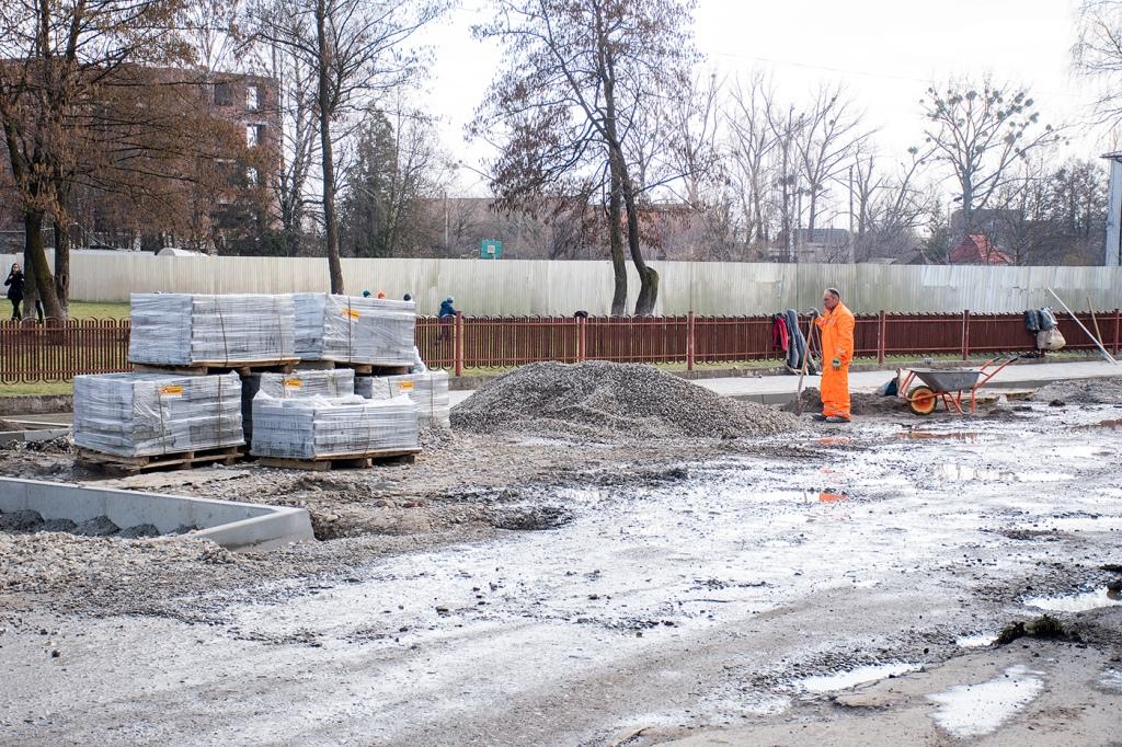 В Опришівцях відновили ремонт дороги 2