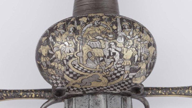Прикарпатські майстри створили репліку меча Сагайдачного 1
