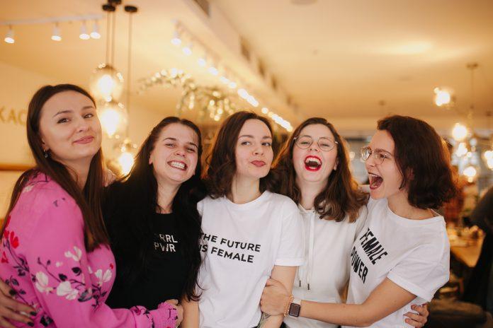 «Додайте собі в життя фемінізму»: що важливо для жінок 8 березня 10