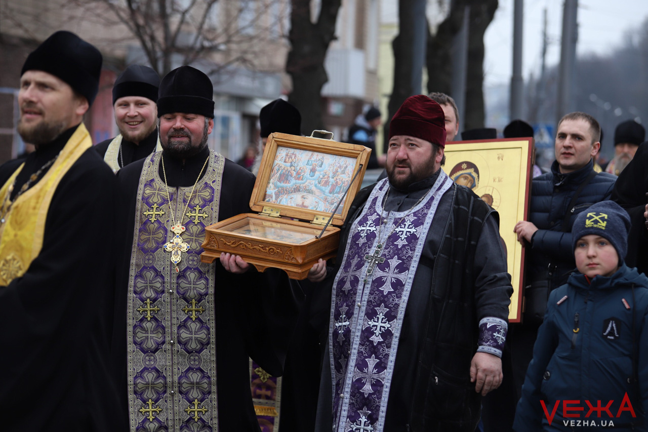 У Вінниці відбулась хресна хода УПЦ МП проти коронавірусу 6