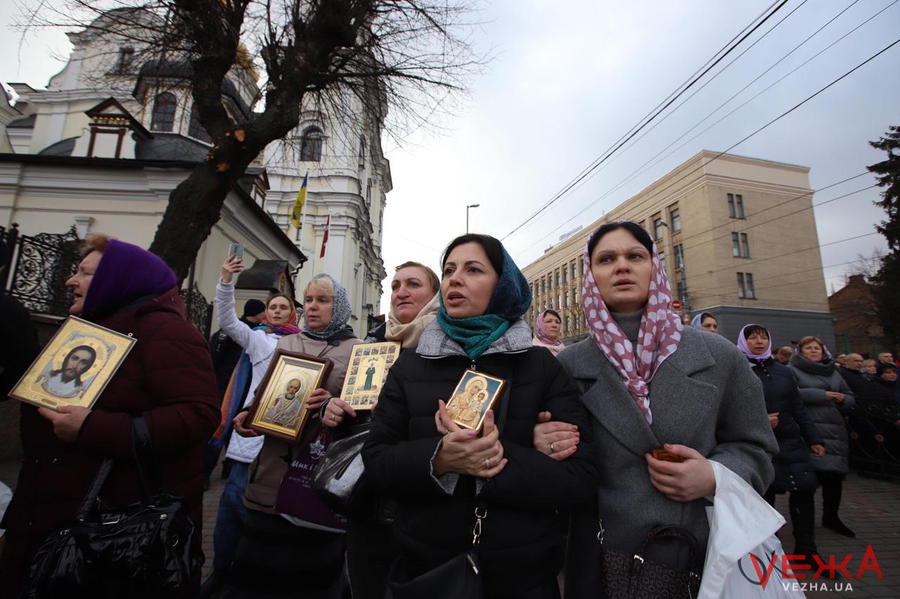 У Вінниці відбулась хресна хода УПЦ МП проти коронавірусу 10