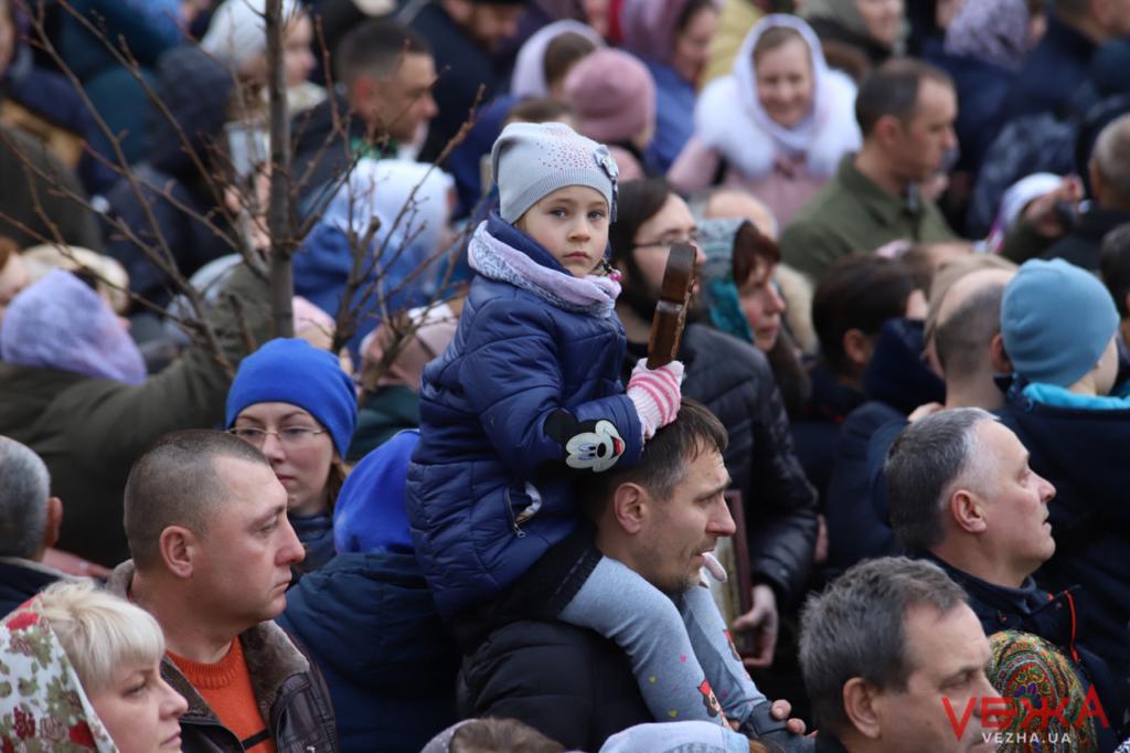У Вінниці відбулась хресна хода УПЦ МП проти коронавірусу 16