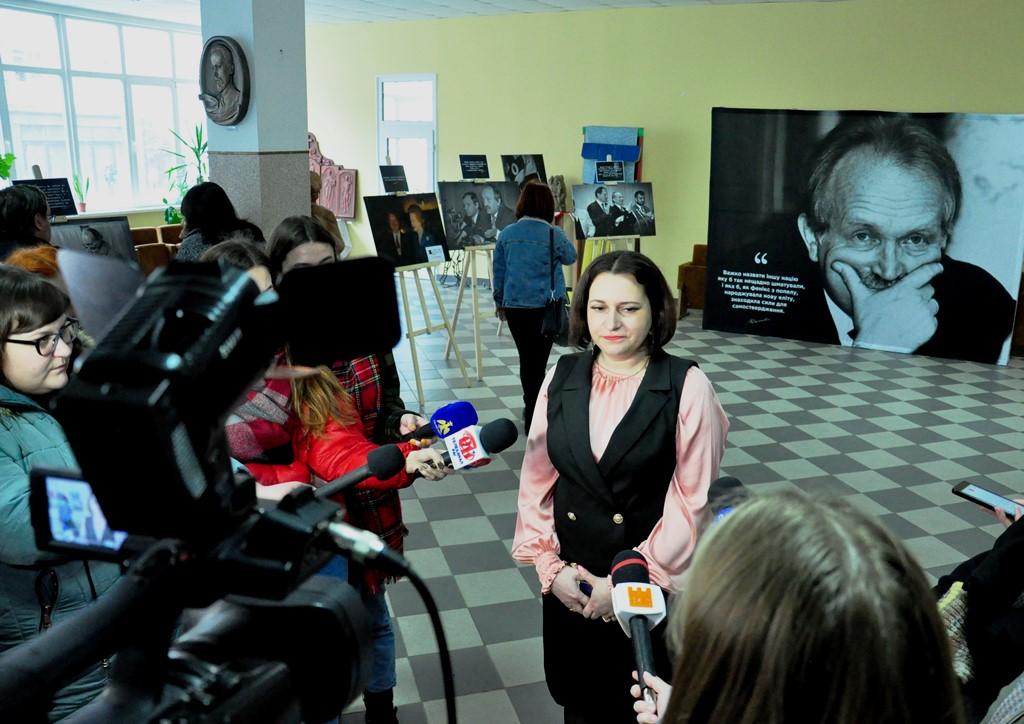 """У Франківську показали """"Невідомі світлини В'ячеслава Чорновола"""" 2"""