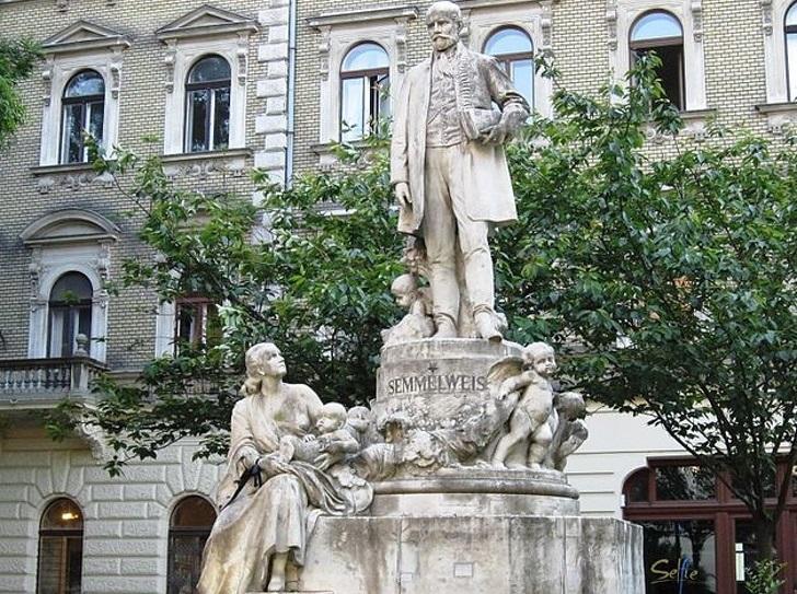 Іґнац Земмельвайс памятник у Будапешті