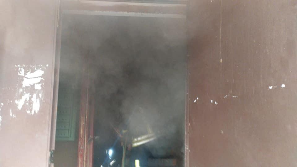 На Великдень у франківській п'ятиповерхівці сталася пожежа: пожежники врятували людину, ще 4 евакуювали 1
