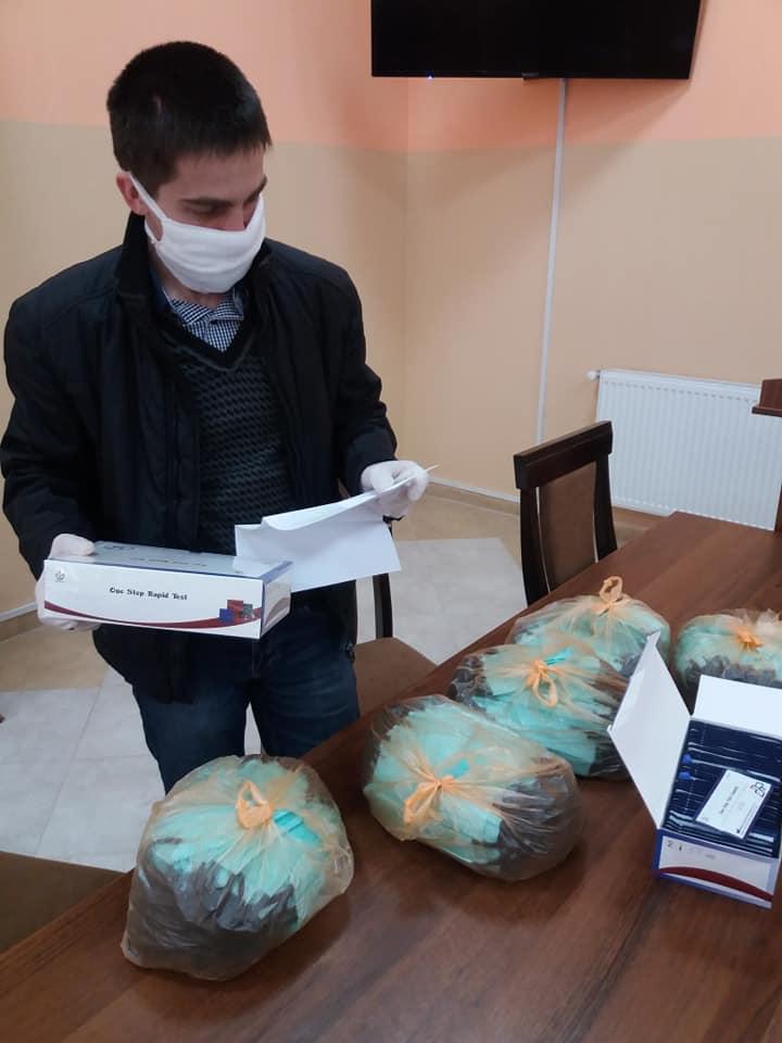 Українська діаспора передала медикам Яремчанщини 80 експрес-тестів та маски 2