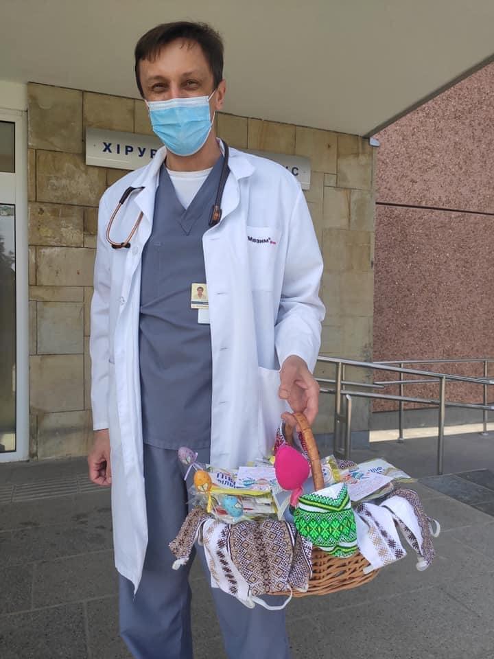 Прикарпатські енергетики передали лікарням респіратори та великодні смаколики 1