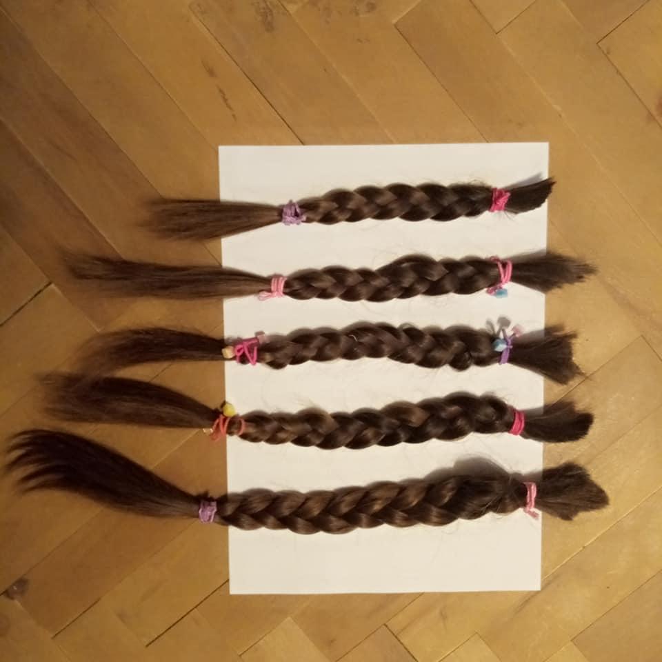 Франківчанка відрізала коси на перуки для онкохворих дітей 1