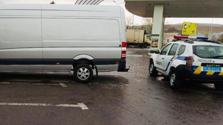 поліція знайшла Мерседес, який був у розшуку