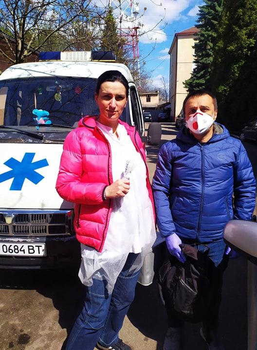 Франківські волонтери вдосконалили маски для медиків у лікарнях 4