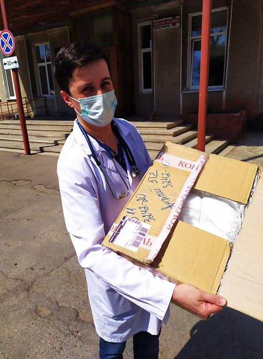 Франківські волонтери вдосконалили маски для медиків у лікарнях 3