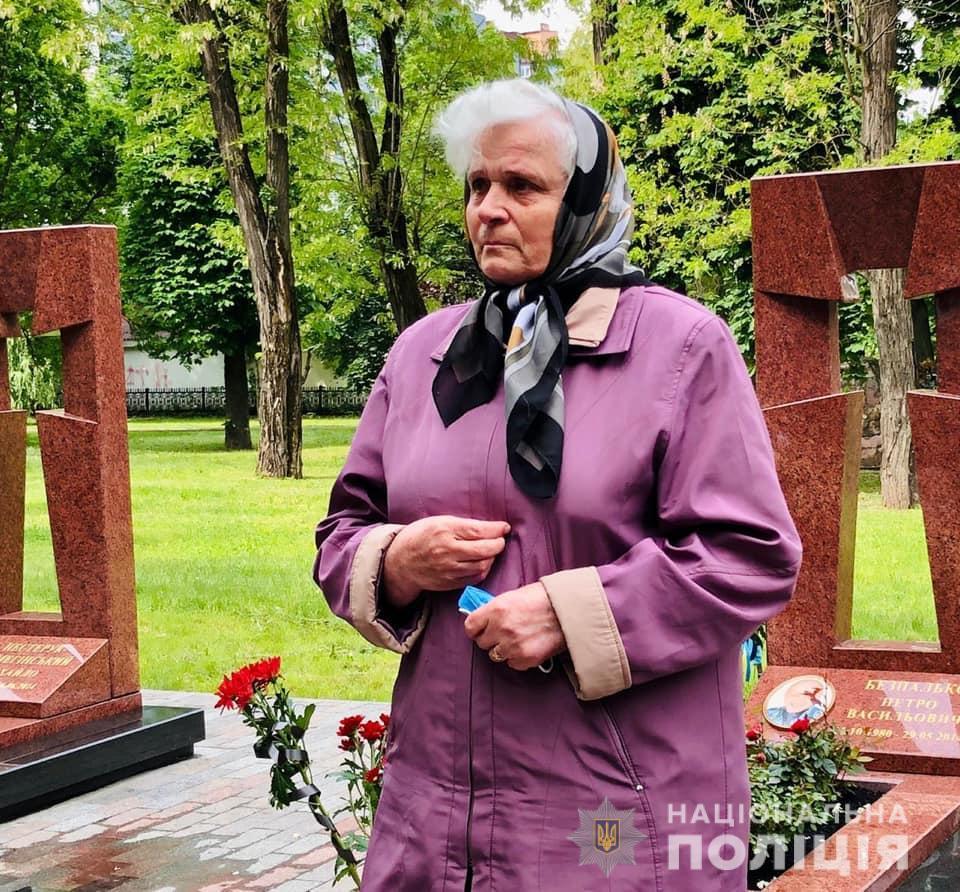 Франківці вшанували загиблих на горі Карачун у 2014 році 8