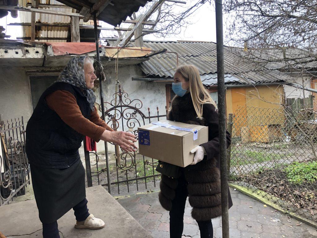 Команда ЄС і Фонд Порошенка витратили на боротьбу з COVID-19 та підтримку малозабезпечених у Франківській області понад 4 млн гривень 10