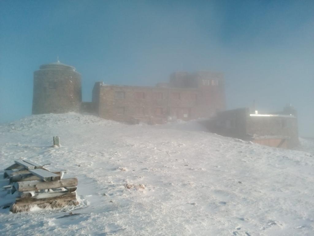 Холодно, вітряно, в горах сніг, – на Прикарпатті зміна погоди 1