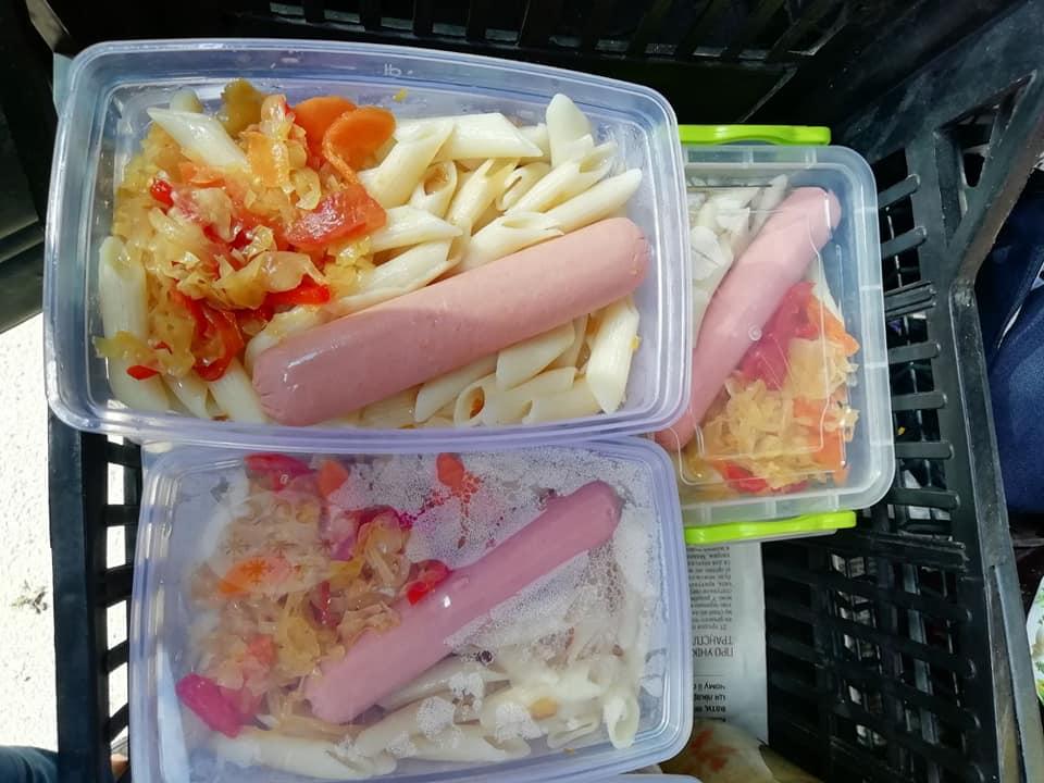 Соціальна працівниця в Яремчі готує і годує 40 одиноких підопічних 6