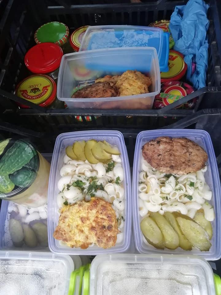 Соціальна працівниця в Яремчі готує і годує 40 одиноких підопічних 2