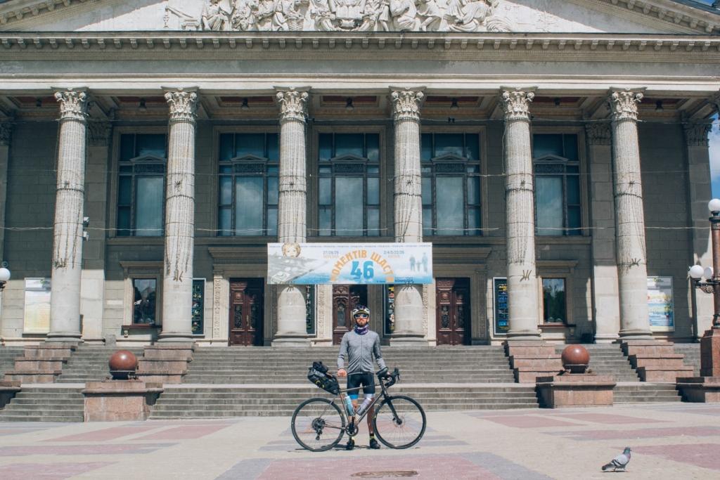 Франківець за три дні промчав велосипедом 600 км – із Києва додому 2