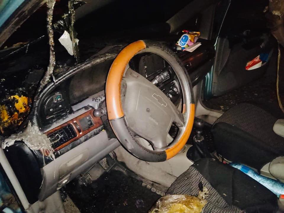 Франківські поліцейські розслідують підпал автомобіля 2