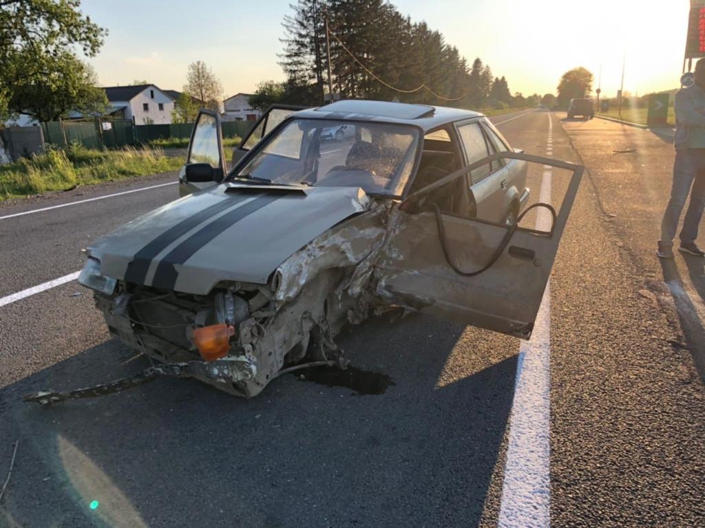 На Коломийщині перекинувся автомобіль – у ДТП ніхто не постраждав 2
