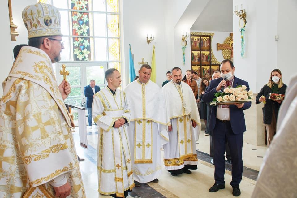 Парафіяльну каву презентували Марцінківу на храмовому святі у Крихівцях 4
