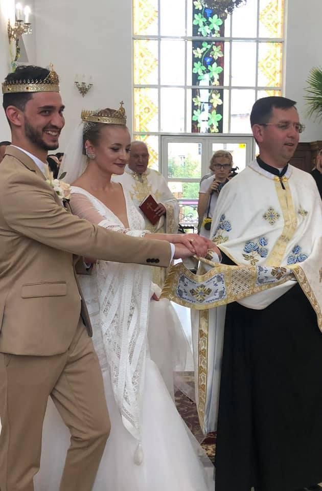 Зіркова пара Франківського драмтеатру зіграла весілля 14