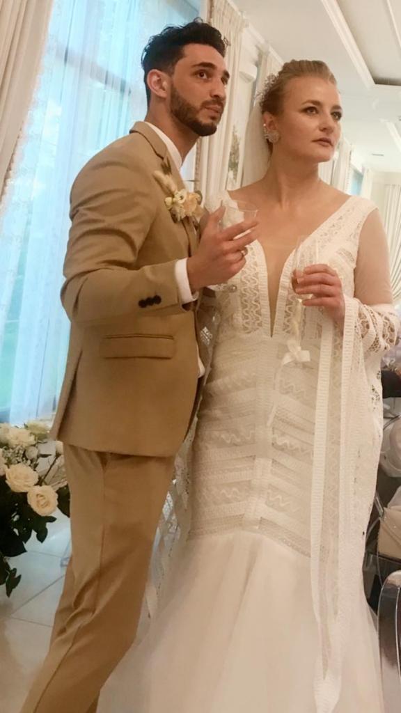 Зіркова пара Франківського драмтеатру зіграла весілля 12