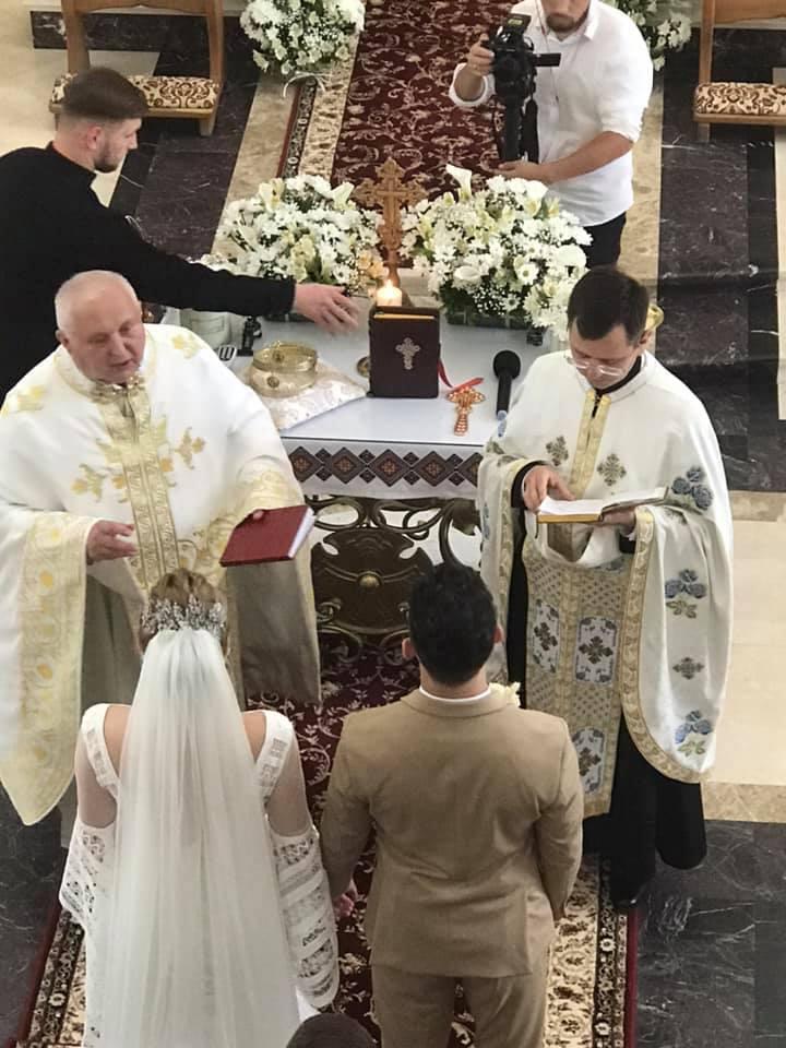 Зіркова пара Франківського драмтеатру зіграла весілля 2