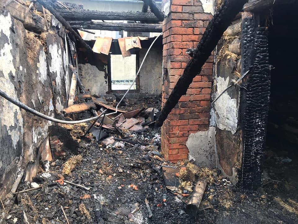 На Прикарпатті чоловік спалив хату співмешканки
