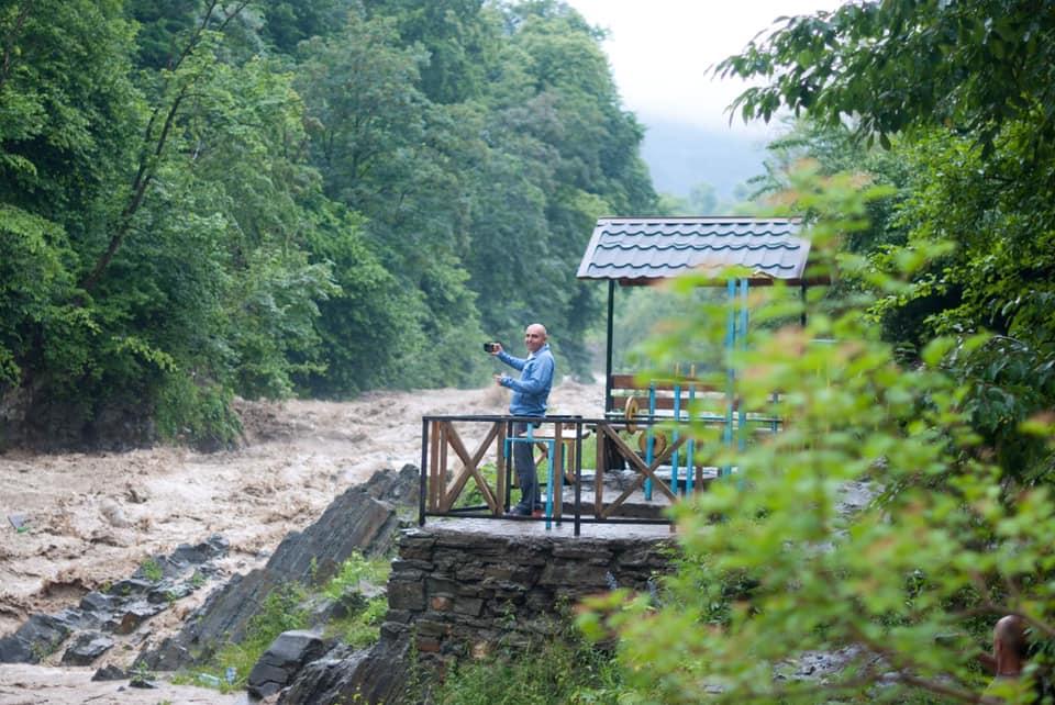 Рибниця та Прут перетворилися на вируючі потоки - вода продовжує підніматися. ФОТО, ВІДЕО 2
