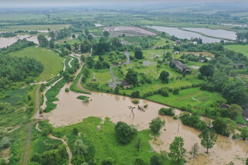 В Бабині Середньому Лімниця зруйнувала дамбу: підтоплено три десятки дворів і пасовища 4