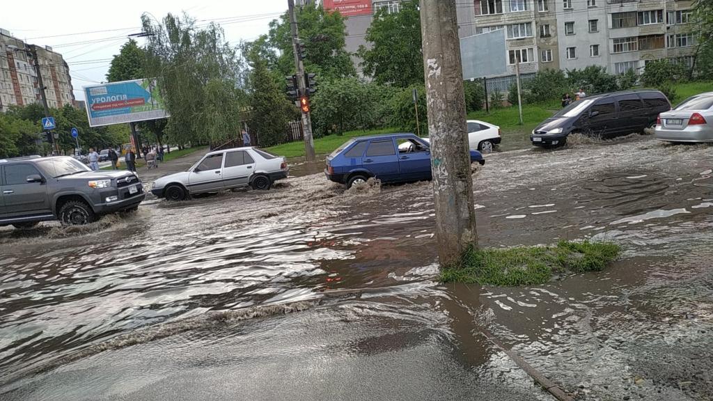 5 проблемних місць Франківська: де й чому топить місто в дощ 3