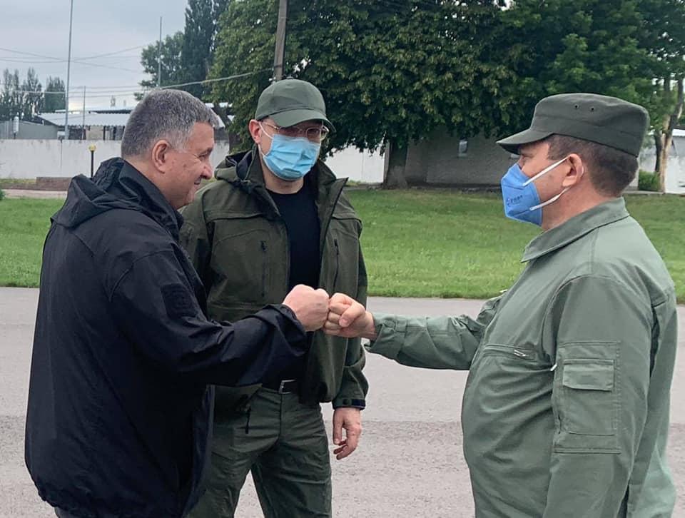Аваков і Шмигаль вилетіли на Прикарпаття