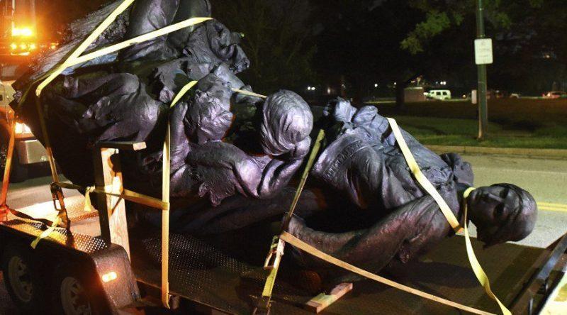 Знесення пам'ятників у США