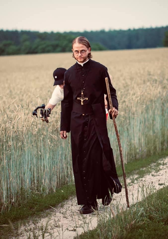 Актор із Калуша зіграв священника в кіно про переслідування віруючих в СРСР 2