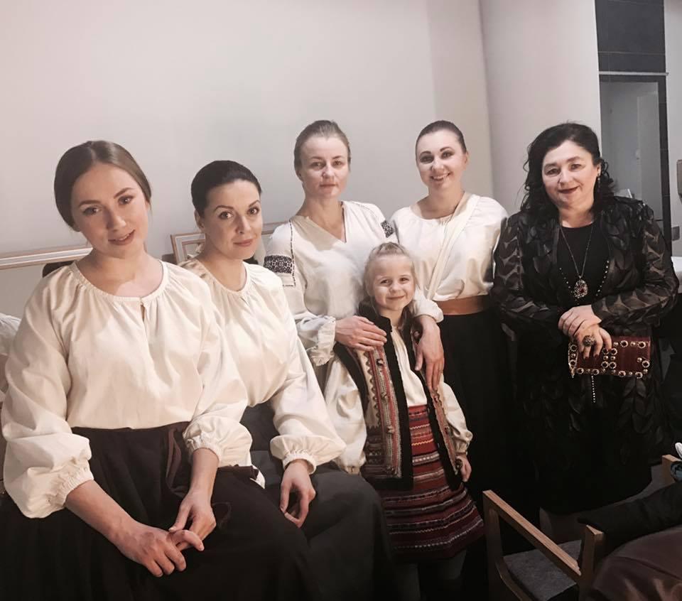 Зіркова пара Франківського драмтеатру зіграла весілля 16