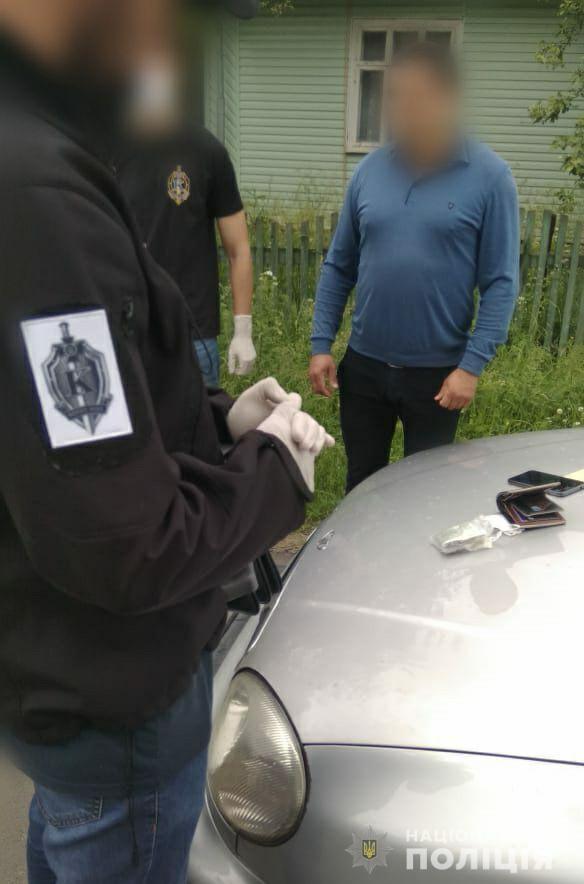 На Івано-Франківщині СБУ викрила голову ОТГ на вимаганні грошей з підприємця 3