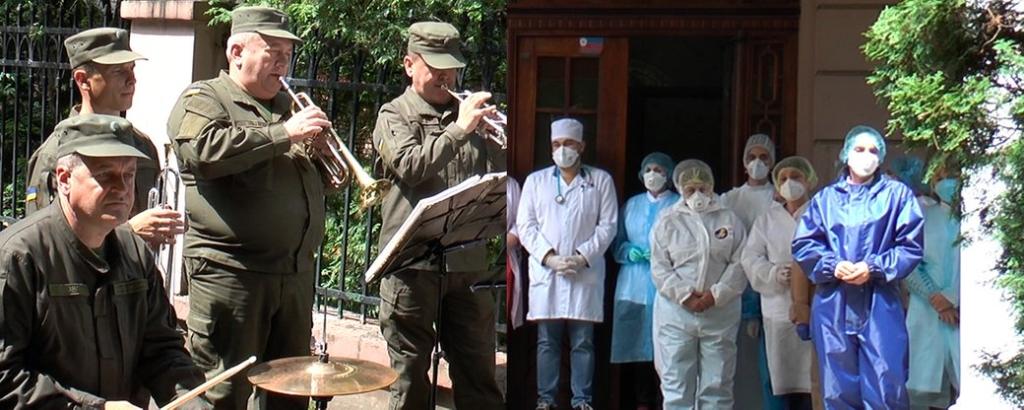 Щоб подякувати медикам, духовий оркестр влаштував тур лікарнями Франківська 1