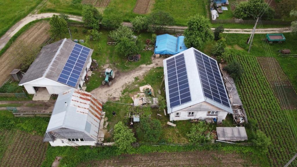 Сонячну електростанцію для дому потужністю 26 кВт встановлено у Вікторові 2