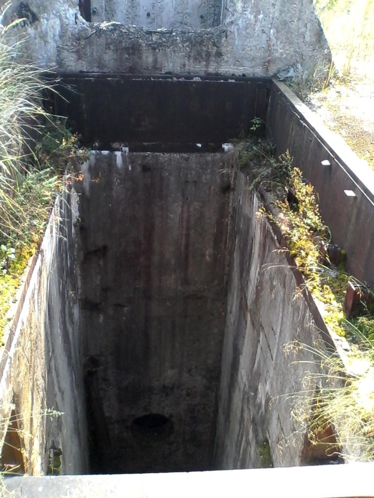 На Прикарпатті розбирають на металобрухт підземні бункери та планують збудувати там реабілітаційний центр 3