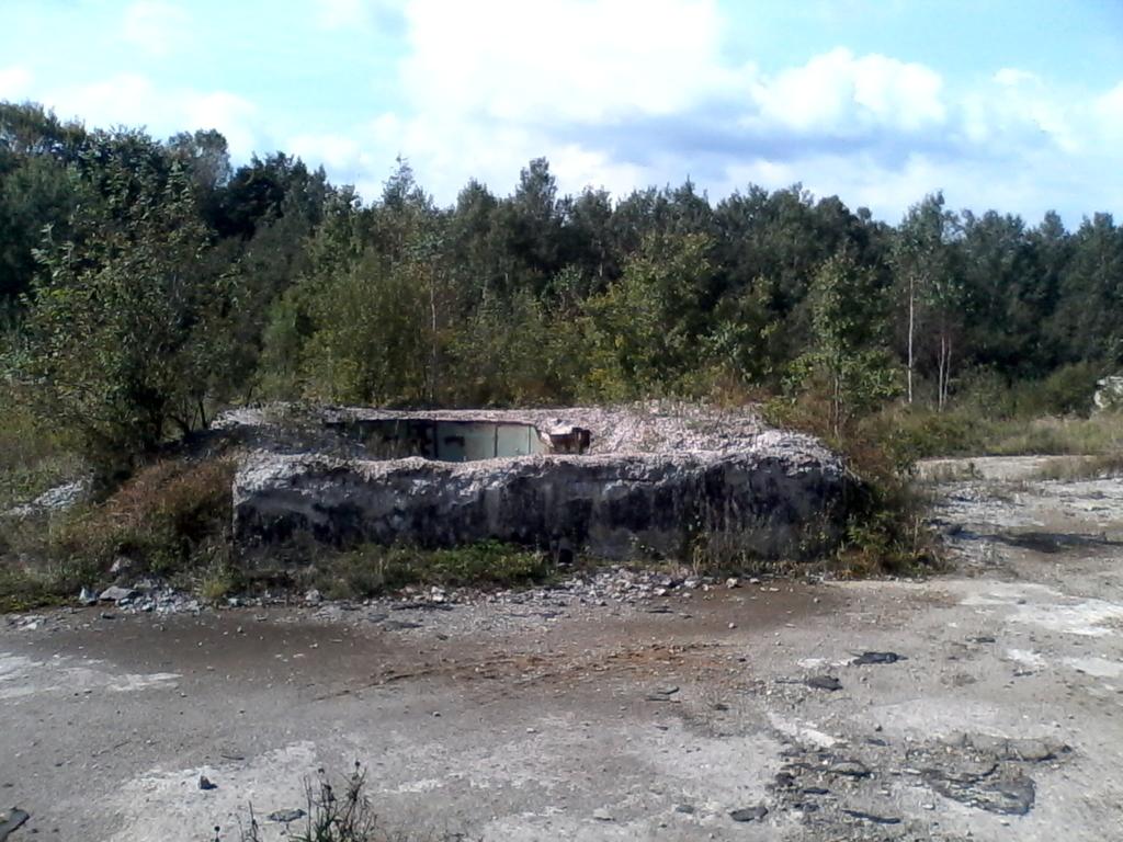 На Прикарпатті розбирають на металобрухт підземні бункери та планують збудувати там реабілітаційний центр 2