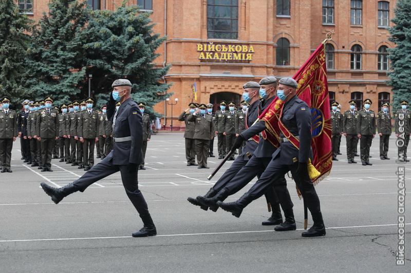 """Надвірнянець став єдиним """"золотим"""" десантником Одеської військової академії 1"""