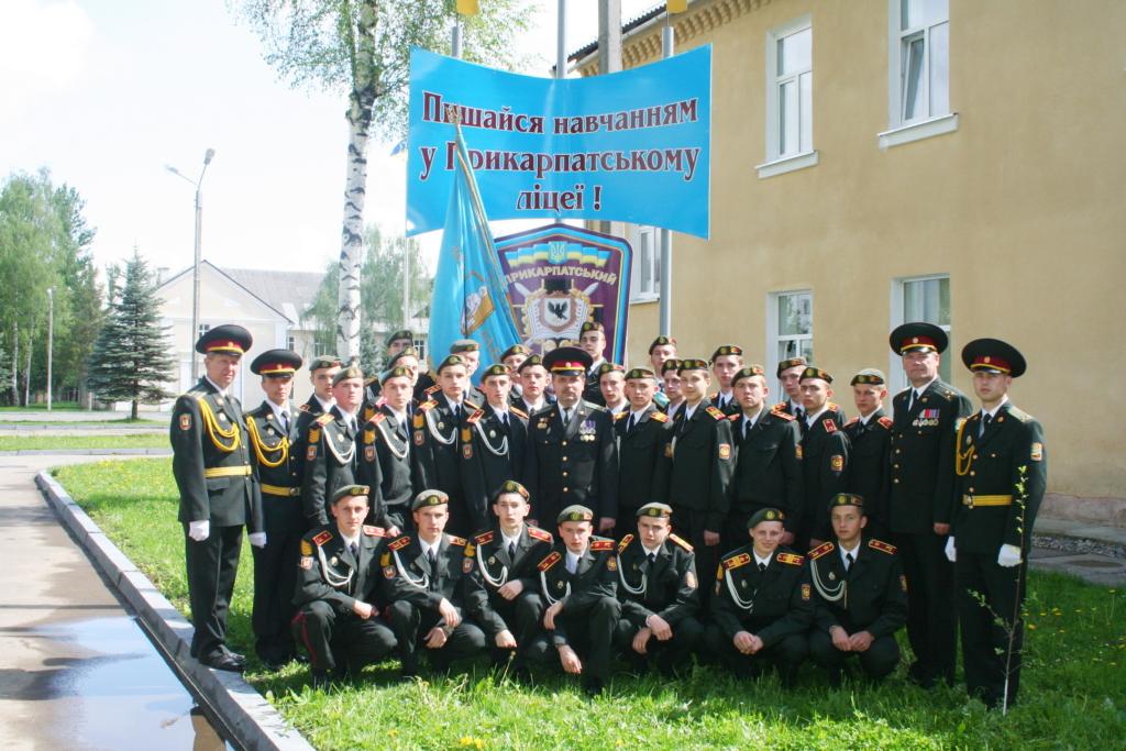 """Надвірнянець став єдиним """"золотим"""" десантником Одеської військової академії 12"""