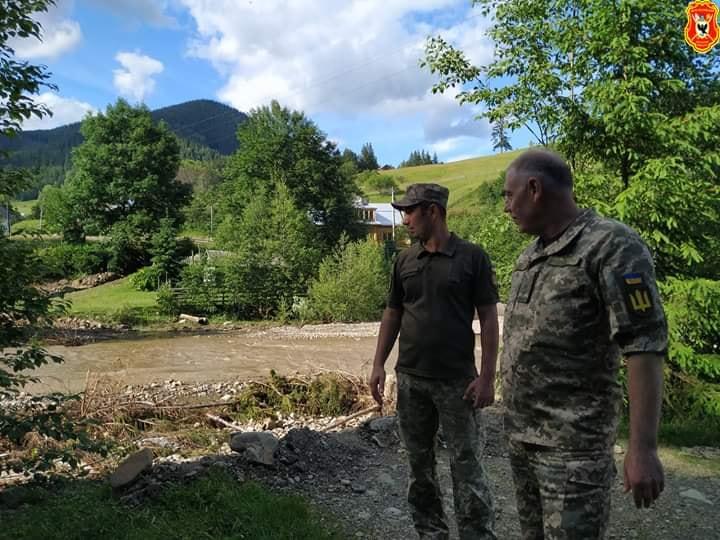 Військові інженери допомагають відновлювати дороги на Верховинщині 2
