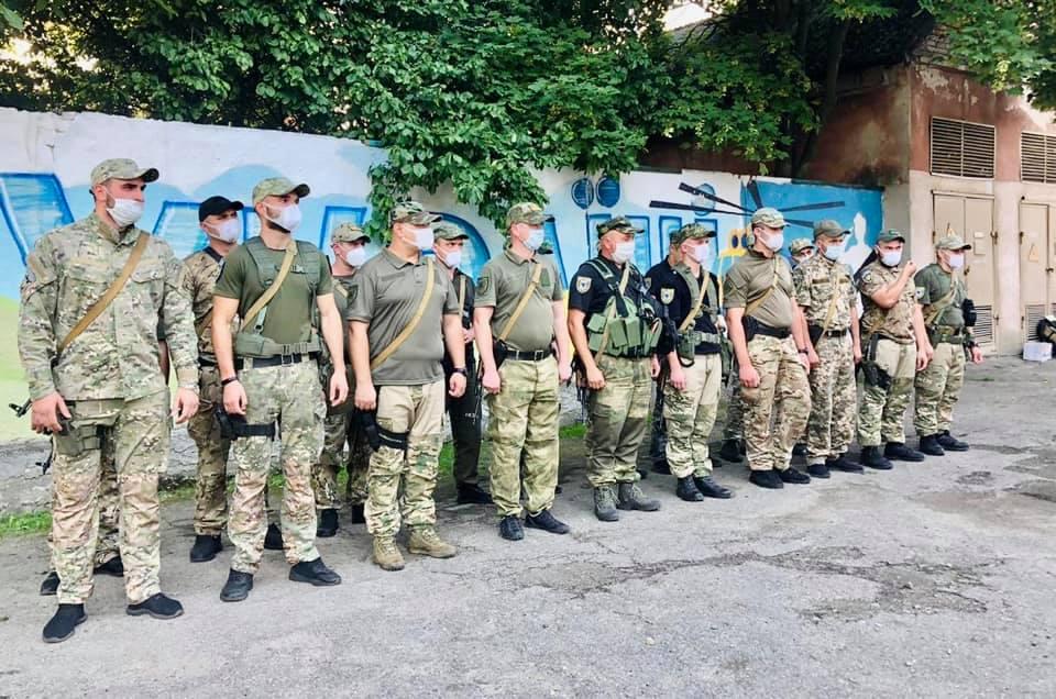 До Франківська із зони ООС повернувся загін правоохоронців 1