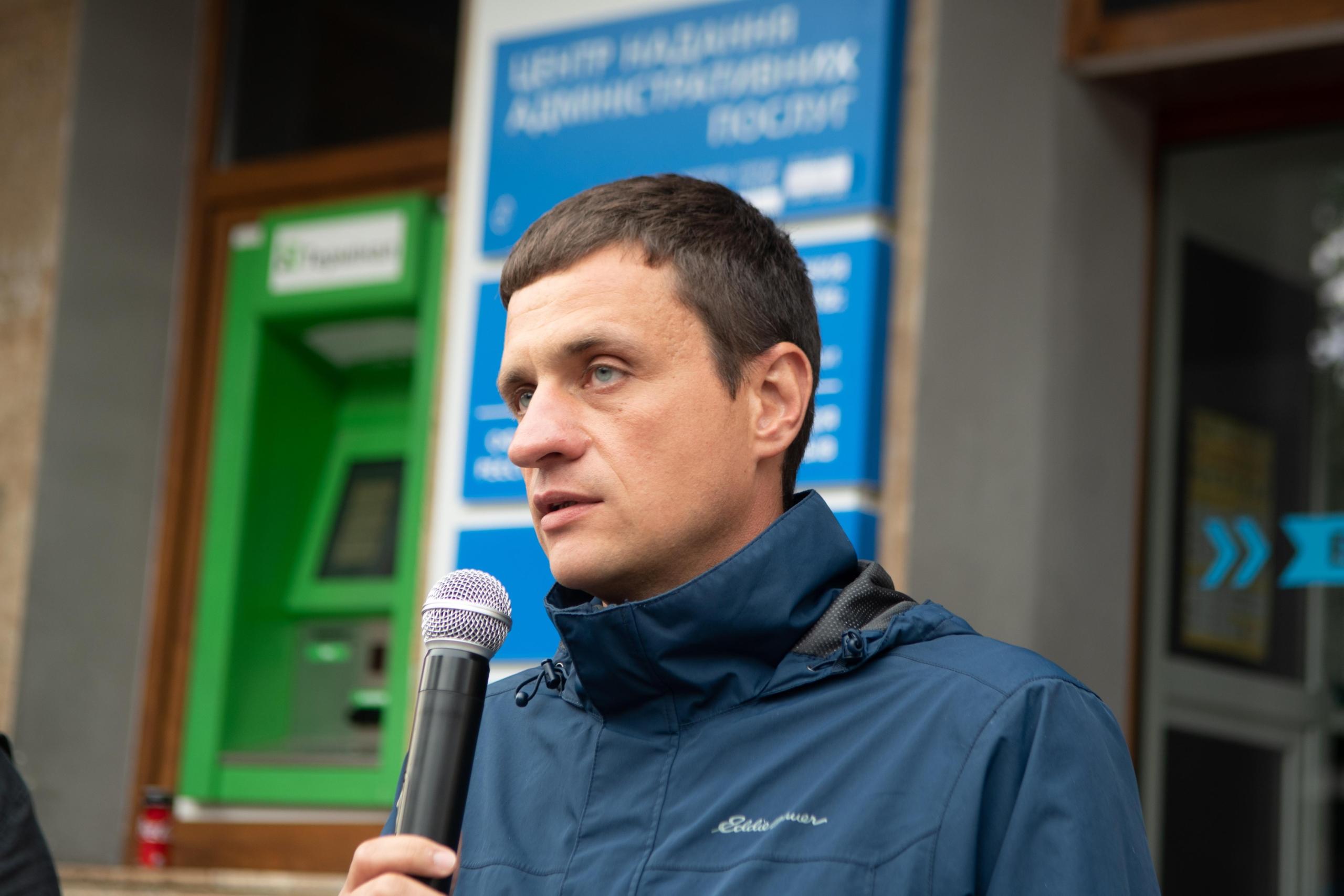 Десятки франківців вийшли на віче у підтримку української армії 4