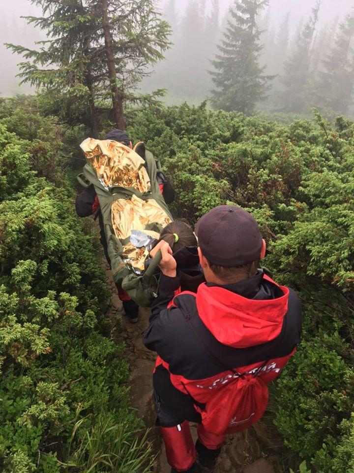 Під час сходження з Говерли травмувалася 15-річна туристка 2