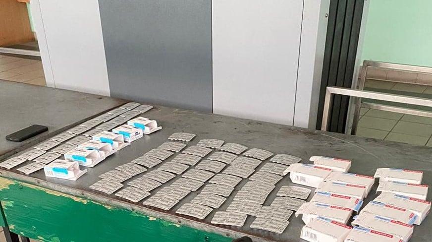 На кордоні собака знайшов у прикарпатця майже 600 наркотичних таблеток 1