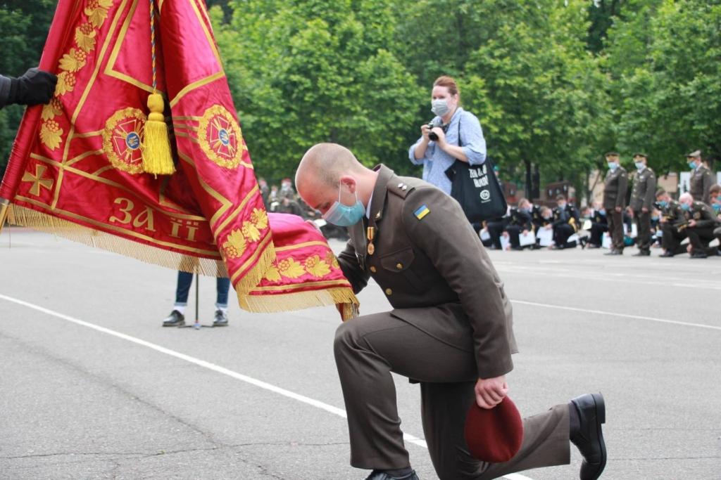 """Надвірнянець став єдиним """"золотим"""" десантником Одеської військової академії 4"""