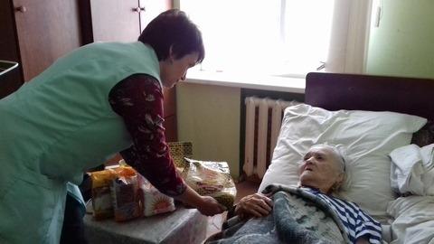 Франківський Карітас допомагає доглядати одиноких та важкохворих 2