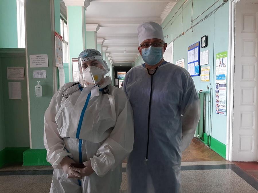 Інтерни практикують у терапії Франківської лікарні №1, де хворі на COVID-19 4